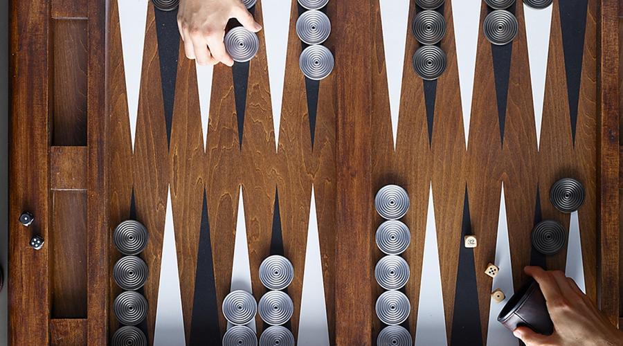Cách chơi cờ Backgammon
